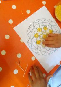 praparazione mandala giallo nani e giganti